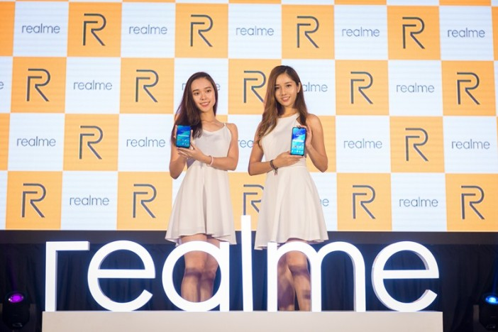 Image 2 - Models with the realme 3 smartphones