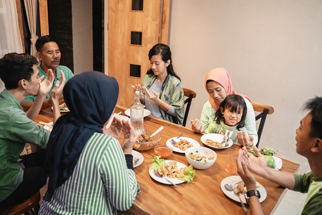 04 Breaking fast (iftar) is where families and friends come together at the end of a day