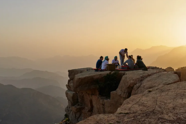 Airbnb_Mystical Oman Trek Image 01