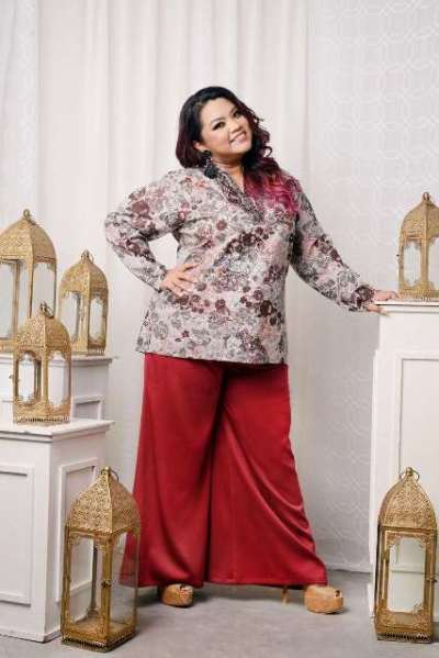 LONG SLEEVE PRINTED EMBROIDERED TOP IN KHAKI with PALAZZO LONG PANTS IN MAROON