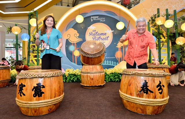 Mr Kevin Tan, COO, (right) and Ms Phang Sau Lian, General Manager, (left) officially launched Sunway Velocity Mall's An Autumn Retreat Campaign on 24th August